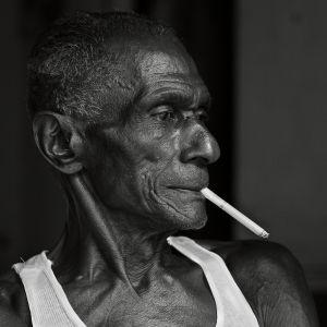 Img Daniela Contini Cuban man Havana portrait
